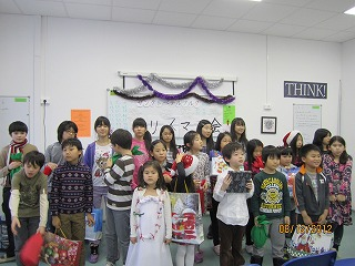 s-Xmas photo @j-school kids gathering.jpg